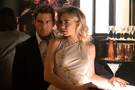 Mission-Impossible-Fallout-053-Tom_Cruise-Vanessa_Kirby.jpg